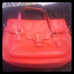 Coach bag structured bag like new!!